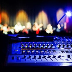 Soundhalo. Download and share artist-endorsed live gigs in an instant.