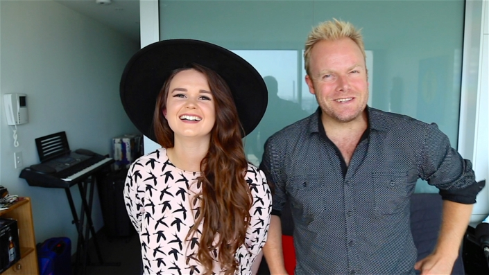 Demi Louise and Hot & Delicious founder, Dan Wilkinson, chat social media, music & travelling the globe!