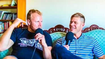 Artist & Producer Billy Fox joins as our guest on the Hot & Delicious: Rocks The Planet! podcast in Sydney https://hotndelicious.com/