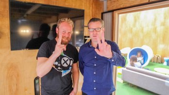 Damian Costin (123 Agency founder + Nighthawk drummer) joins Hot & Delicious: Rocks The Planet! on Bondi Beach Radio