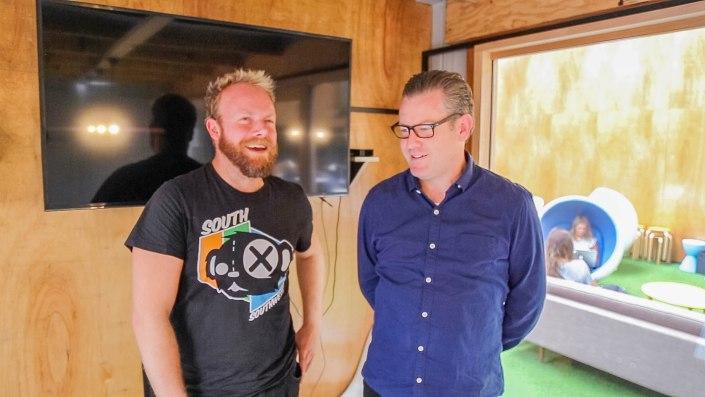 Damian Costin (123 Agency founder + Nighthawk drummer) joins Hot & Delicious: Rocks The Planet! on Bondi Beach Radio