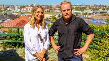 Lifestyle Blogger Lisa Clark joins us on Hot & Delicious: Rocks The Planet! on Bondi Beach Radio.