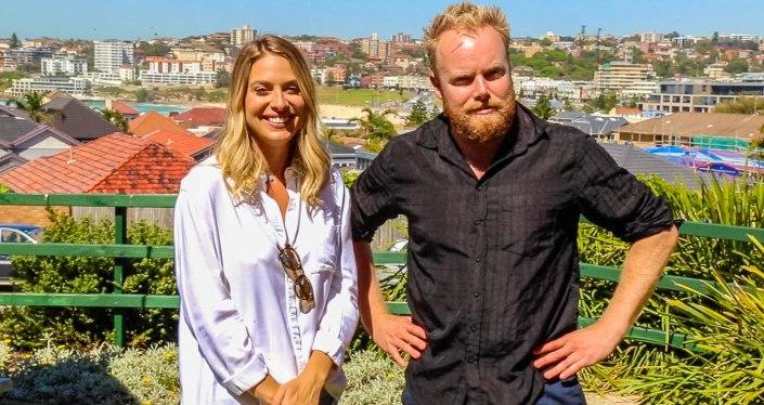 Lifestyle Blogger Lisa Clark joins us on Hot & Delicious: Rocks The Planet! on Bondi Beach Radio.