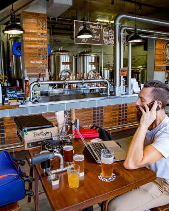 BentSpoke Brewing x Hot & Delicious Rocks The Planet! podcast.