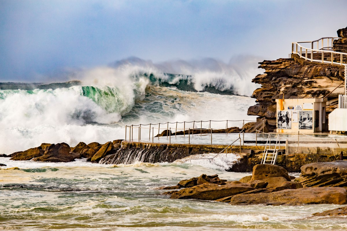 Bronte Rock Pool magic by @hotndelicious